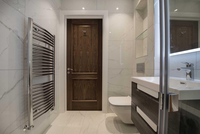 hg16-Bathroom-3